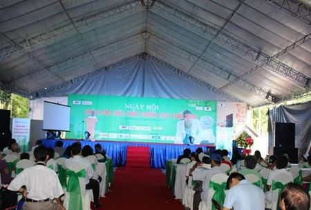 3.000 nguoi gia duoc kham benh, phat thuoc mien phi - Anh 2