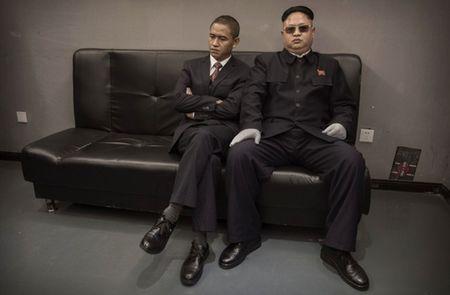 Ban sao Obama va Kim Jong Un dong phim chung - Anh 1