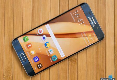 Se co toi 2 phien ban Galaxy S7 Edge - Anh 1