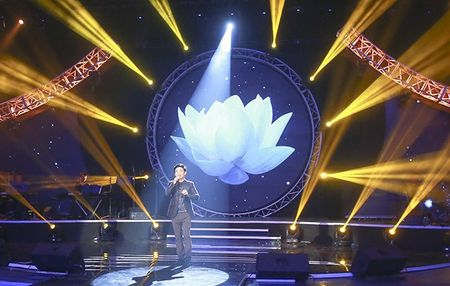 "MC Quang Minh thac mac hanh dong ""le luoi"" cua Bui Anh Tuan - Anh 10"