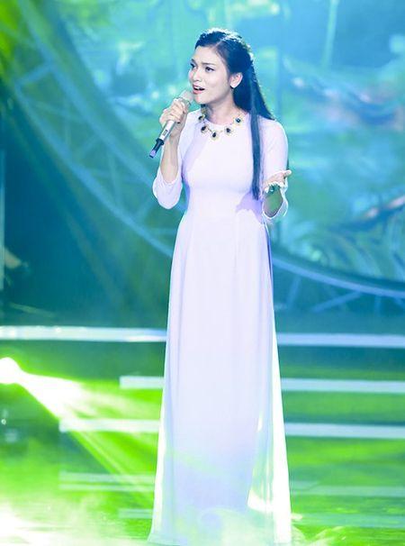 "MC Quang Minh thac mac hanh dong ""le luoi"" cua Bui Anh Tuan - Anh 4"
