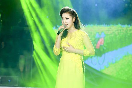 "MC Quang Minh thac mac hanh dong ""le luoi"" cua Bui Anh Tuan - Anh 6"