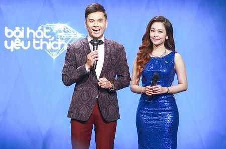 "MC Quang Minh thac mac hanh dong ""le luoi"" cua Bui Anh Tuan - Anh 8"