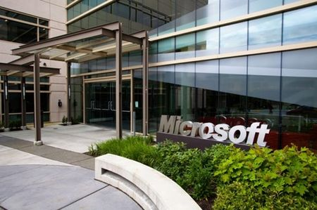 Microsoft am tham cat giam them 1.000 lao dong - Anh 1