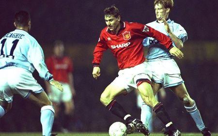10 tran derby Manchester dang nho nhat ky nguyen Premier League - Anh 1