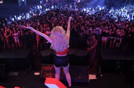 Dong Nhi nhay boc lua trong dem cuoi cung cuoc thi DJ - Anh 8