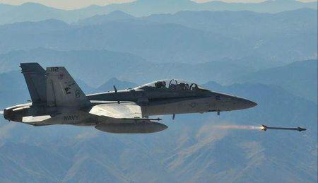 Uy luc ten lua AIM-9X vua ban ha may bay Nga - Anh 11