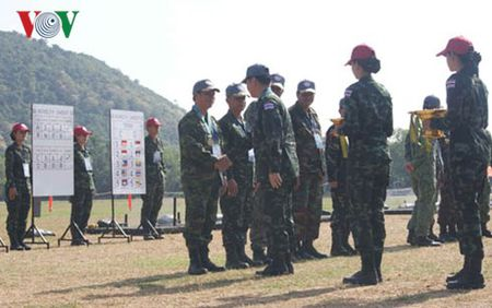 Viet Nam dat giai Ba ban sung quan dung cac nuoc ASEAN - Anh 1
