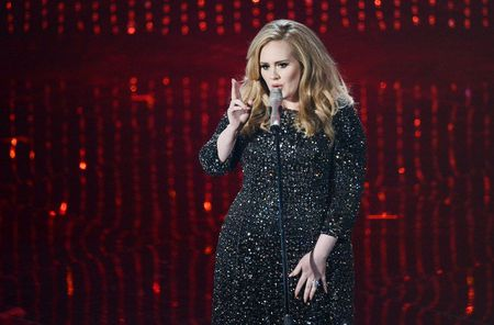 Chi trong 3 ngay, Adele ban duoc hon 2 trieu album - Anh 1