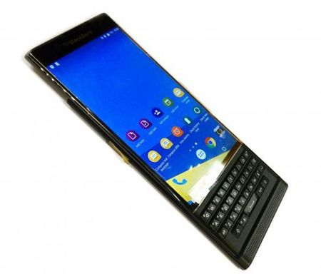 Top smartphone Android lam qua cho mua Giang sinh - Anh 9