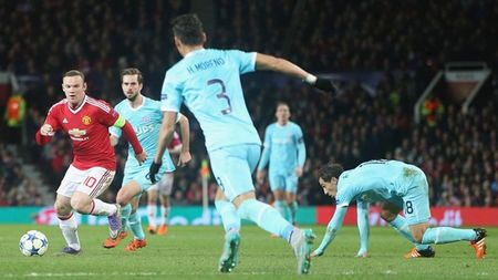 Hang cong 'hoa go', Man United mua day buoc minh - Anh 4