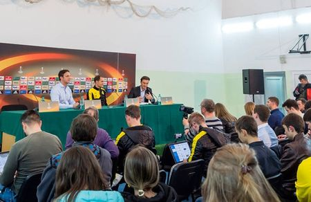 Vang Reus, Dortmund van binh than cuoi dua tai Krasnodar - Anh 9