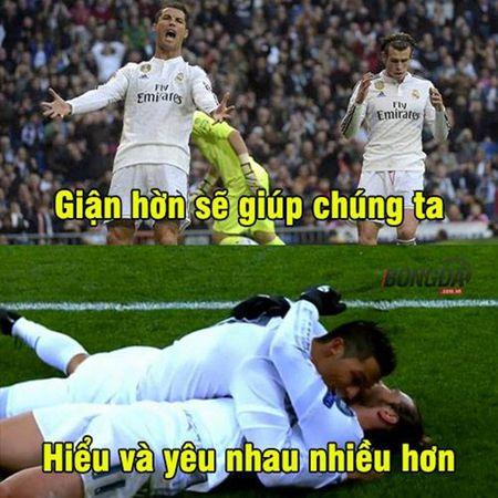 """Anh che: Leicester moi su em bua """"than rua""""; CDV Quy Do xin """"Thanh"""" Bendtner ru long thuong - Anh 2"""