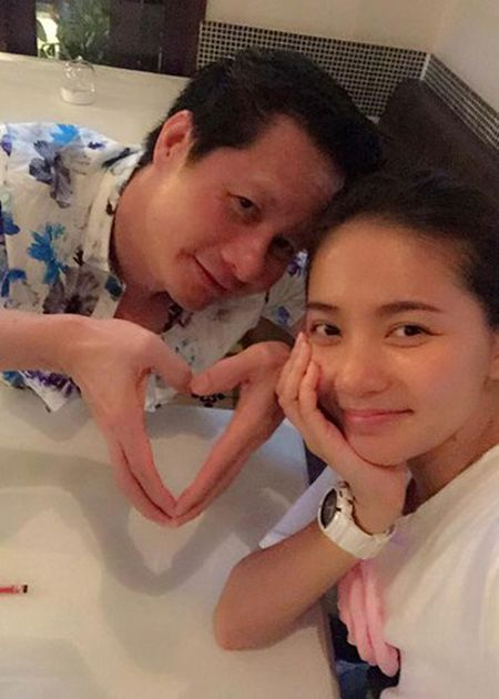 Phan Nhu Thao va chong dai gia tinh tu di du lich - Anh 6