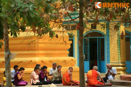 Ngam chua Hang cuc doc cua nguoi Khmer Nam Bo - Anh 15
