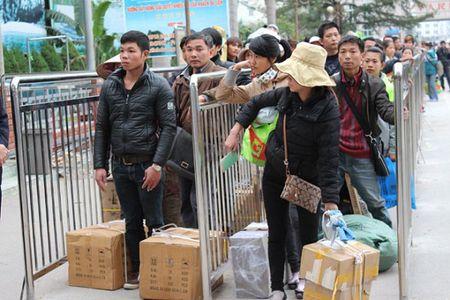 Cao diem chong buon lau, hang gia dip cuoi nam - Anh 1