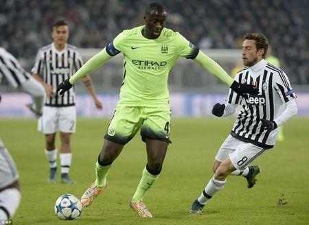 "Toure ham huc che Juventus ""an may"" 2 lan! - Anh 1"