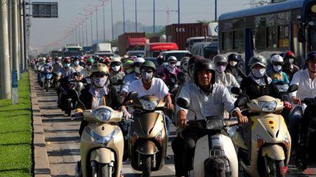 "CSGT muot mo hoi ""ho het"" duoi nang nong - Anh 1"
