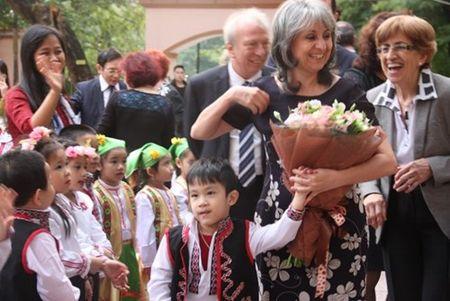 Pho Tong thong Bulgaria tham Truong mam non Viet - Bun - Anh 4