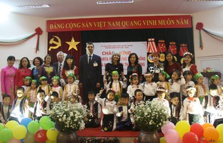 Pho Tong thong Bulgaria tham Truong mam non Viet - Bun - Anh 7