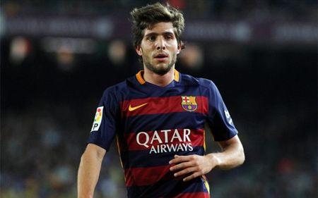 Barcelona sap thuong nong cho Sergi Roberto - Anh 1