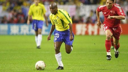 Huyen thoai Brazil doi mat an tu vi lam gia xo so - Anh 1