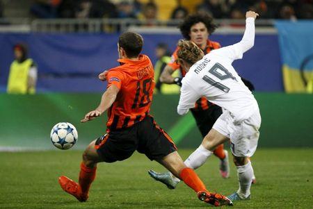 Shakhtar Donetsk 3-4 Real Madrid: Tham hoa o hang thu - Anh 2