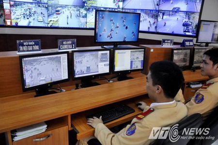 CSGT Ha Noi 'den tan nha' truy loi chu phuong tien vi pham - Anh 1