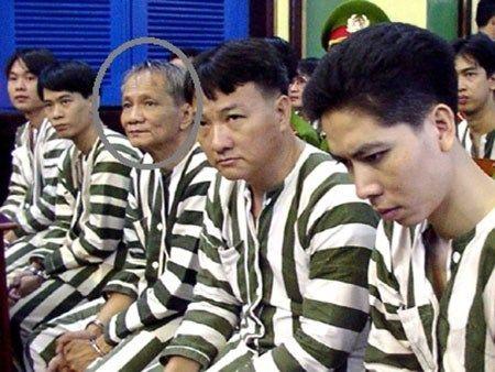 "Lo dien quan ""at chu bai"" dung sau ong trum giang ho Nam Cam - Anh 1"