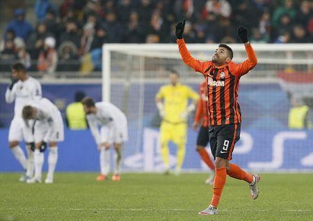 Ibrahimovic dua PSG vao vong hai, Ronaldo dau tim voi Real - Anh 7