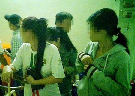 Dong mai dam Truc Xinh Xinh trong vo boc quan am thuc - Anh 3