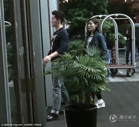 Pham Bang Bang va Ly Than tinh tu cung nhau vao khach san - Anh 6