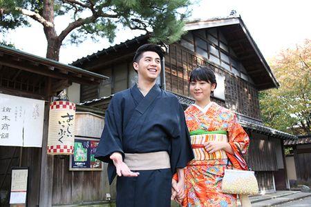 Noo Phuoc Thinh duoc co gai Nhat mac giup kimono - Anh 7