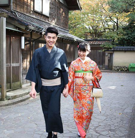 Noo Phuoc Thinh duoc co gai Nhat mac giup kimono - Anh 8