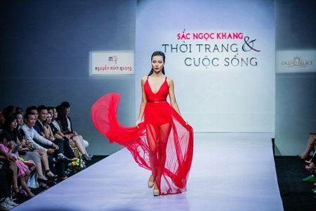 Pham Ngoc Quy tu tin toa sang ben Thanh Hang va dan my nhan dinh dam - Anh 10