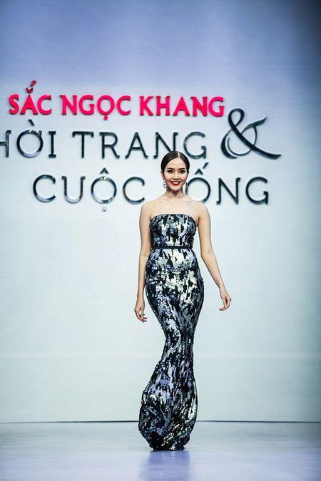 Pham Ngoc Quy tu tin toa sang ben Thanh Hang va dan my nhan dinh dam - Anh 11