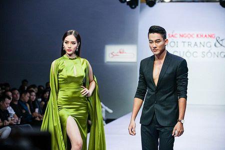 Pham Ngoc Quy tu tin toa sang ben Thanh Hang va dan my nhan dinh dam - Anh 3