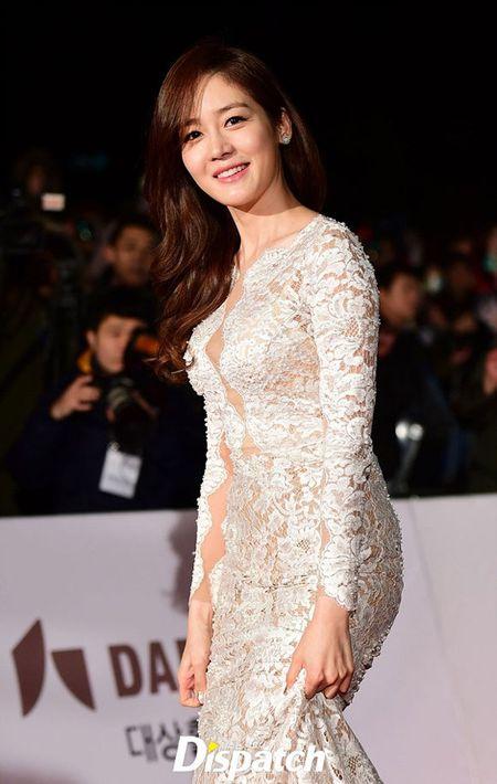 Kim Hye Soo tre trung 'vuot thoi gian' tren tham do Rong Xanh - Anh 16