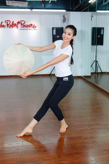Pham Huong tiet lo nhung viec da lam truoc khi den Hoa hau Hoan vu 2015 - Anh 3