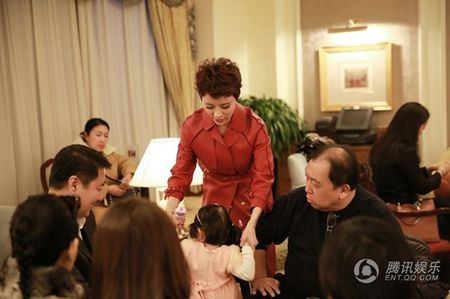 My nhan 'Tay Du Ky' lo dien cung chong dai gia - Anh 9