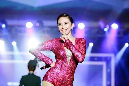 Tina Le va 10 nam ghi dau an trong lang make-up - Anh 3