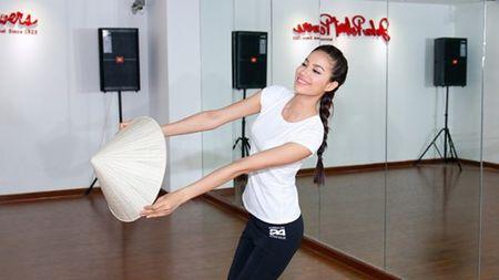 Pham Huong san sang toi 'dau truong' Miss Universe - Anh 8