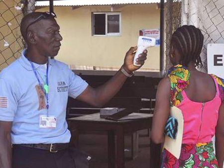 Liberia lai co ca tu vong vi Ebola - Anh 1