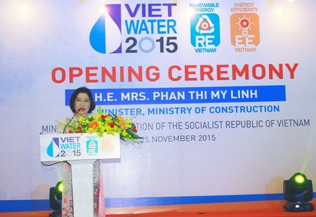 Thu truong Phan Thi My Linh du khai mac Trien lam VIETWATER 2015 - Anh 1