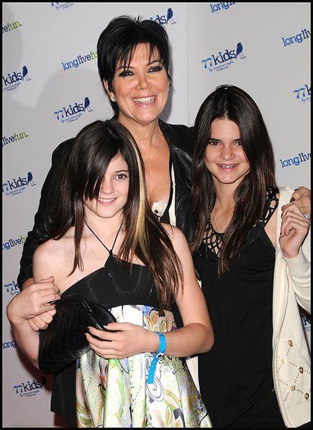 "Hoc tap gu thoi trang ""chat lu"" cua cap chi em Kendall - Kylie Jenner - Anh 3"