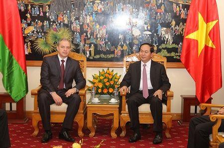 Tin nhanh (26/11) : Ong thep cuon Viet Nam bi kien ban pha gia tai My - Anh 3