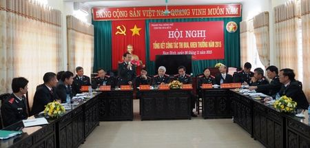 De nghi khen thuong cho 4 don vi xuat sac - Anh 1