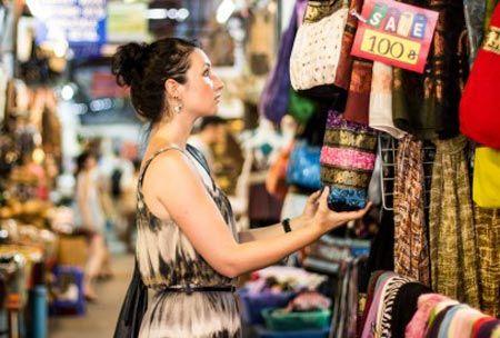 Nhung luu y voi du khach khi mua sam tai Thai Lan - Anh 1