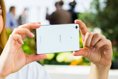 Top 4 smartphone so huu man hinh 4K sieu net, dinh nhat 2015 - Anh 4