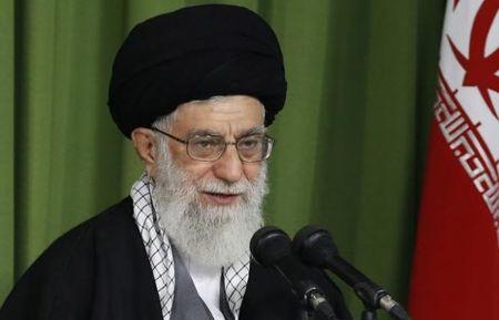 Lanh tu Khamenei: My su dung tinh duc, tien bac tham nhap Iran - Anh 1